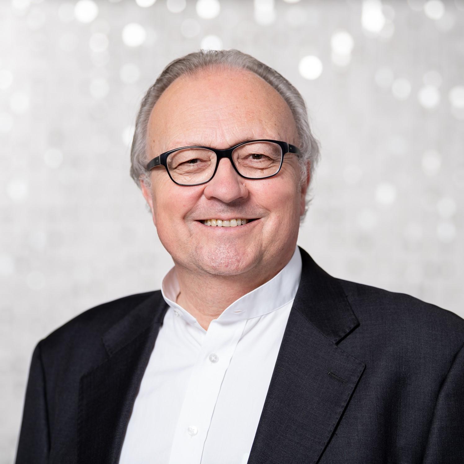 Prof. em. Dr. iur. Marcel Senn